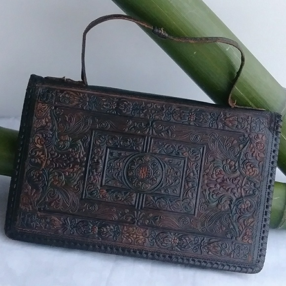 Early 1900s Purse Clutch Bags   Vintage Hand Tooled Leather Purse ... 8f0a4d835d